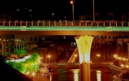 橋梁河堤亮化